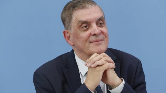 Romani Rose + Horst Seehofer 2021-07-13 - Deutschland, Berlin - Horst Seehofer (CSU), Bundesminister des Inneren, für Ba