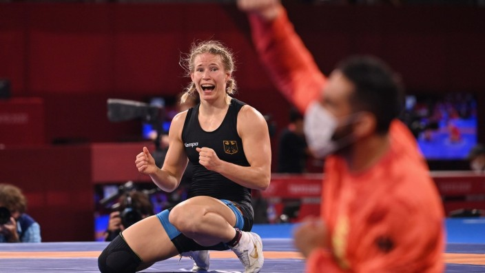 Aline Rotter Focken (GER),Schlussjubel, winner,Sieger,Olympiasiegerin, Jubel,Freude,Begeisterung,Ringen,Wrestling Women; Olympia