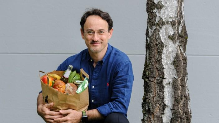 Gorillas, Flink und Getir: Erich Comor, 52, studierte an der Kellogg School of Management in Chicago. Er ist seit 2020 Chef des Online-Lebensmittelhändlers Knuspr in München.