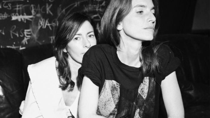 """Popkolumne: Leicht ist schwer was: Sonja Glass (li.) und Valeska Steiner sind """"Boy""""."""