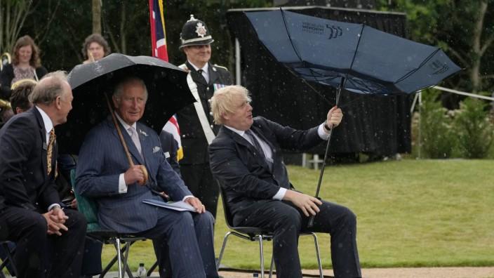 Großbritanniens Premierminister Johnson besucht Polizeidenkmal