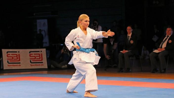 Kata, Einzel, Damen, Finale: Jasmin Jüttner (Judokan Frankfurt-Budo-Center). *** Kata, singles, ladies, final Jasmin Jü