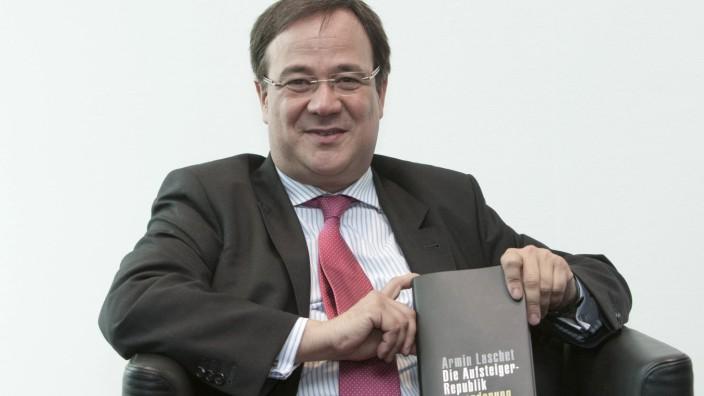 Unions-Kanzlerkandidat: Armin Laschet, damals Minister für Generationen, Familie, Frauen und Integration des Landes Nordrhein-Westfalen, 2009 bei der Vorstellung seines Buches.