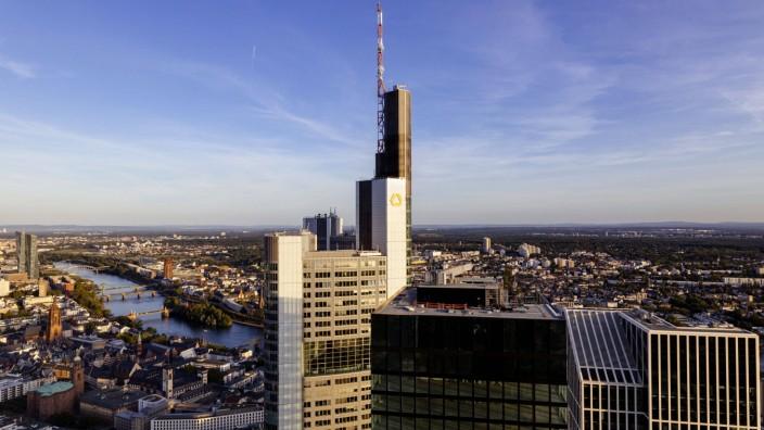 Der Commerzbank Tower in der Bankencity. Frankfurt, 20.10.2019 *** The Commerzbank Tower in the Bankencity Frankfurt, 2