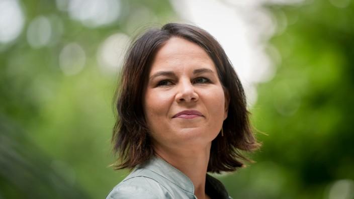 Baerbock und Habeck stellen 'Klimaschutz-Sofortprogramm' vor