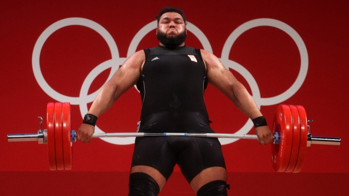 Weightlifting - Olympics: Day 12