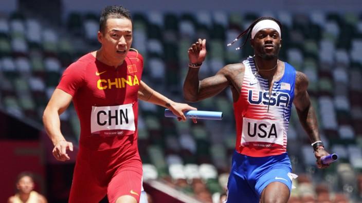 Athletics - Men's 4 x 100m Relay - Round 1