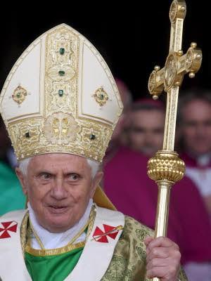 Papst, dpa