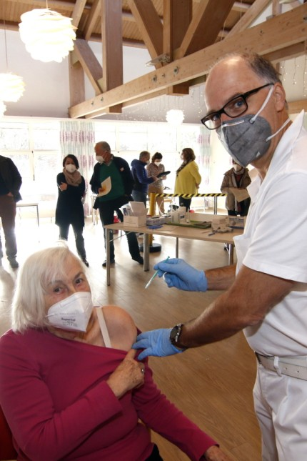 Corona-Impfaktion im Caritas-Altenheim