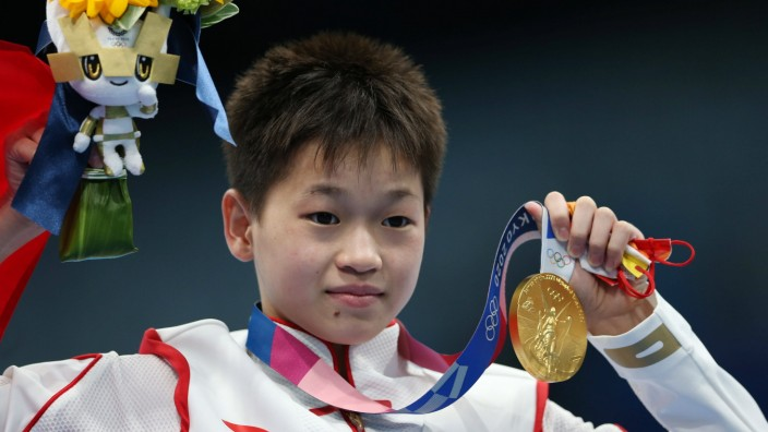 Quan Hongchan, CHN, after womens 10m platform at 2021 Olympic Games, Olympische Spiele, Olympia, OS - Tokyo2020 - in T