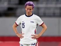 Soccer Football - Women - Group G - Sweden v United States