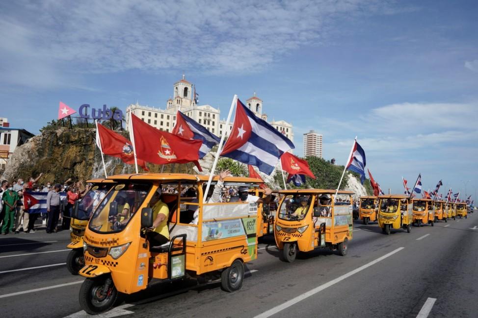 Cuban Communist Youth Union organize a caravan in Havana
