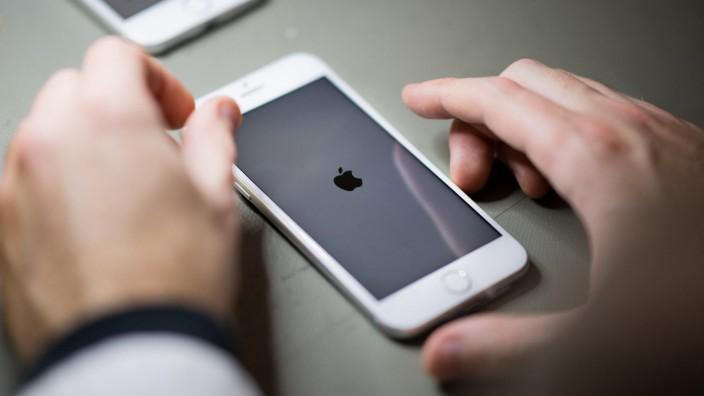 Kampf gegen sexualisierte Gewalt: Das geplante Prüfverfahren ist sehr komplex. Sicherheitsforscher haben eine Vermutung, warum Apple das so angeht.