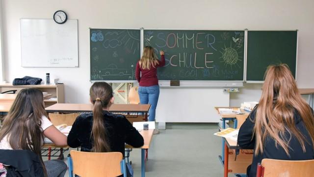 Bildung: Kleine Klassen, optimale Betreuung - so stellen sich viele den perfekten Unterricht vor. In der Sommerschule der ersten Ferienwoche ist das in den Förderkursen auch möglich.