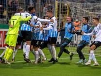 Siegesfeier TSV 1860 Muenchen, TSV 1860 Muenchen vs. SV Darmstadt 98, DFB-Pokal, 06.08.2021 DFB regulations prohibit an