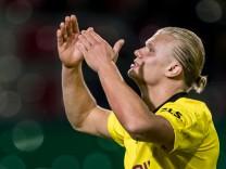 SV Wehen Wiesbaden v Borussia Dortmund - DFB Cup: First Round