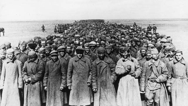 """Sowjetische Kriegsgefangene nach der """"Schlacht am Asowschen Meer"""", 1941"""