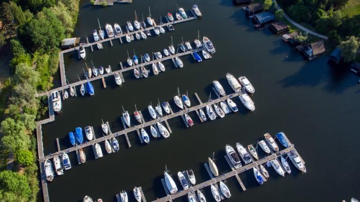 Bootsurlaub unkompliziert: So werden Sie zum Freizeitkapitän