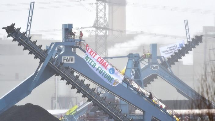 Aktivisten in Steinkohlekraftwerk Datteln 4 eingedrungen