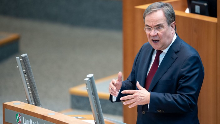 Laschet unterrichtet Landtag über Corona-Krise