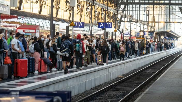 Lokführer-Streik im Personenverkehr - Hessen