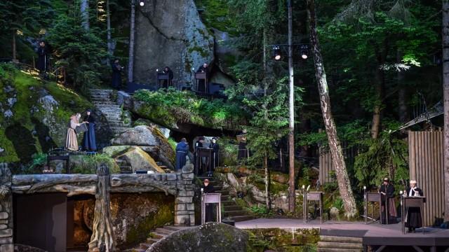 """Festspielleitung in Wunsiedel: Das Musical """"Der Name der Rose"""" nach Umberto Eco ist eine der Produktionen auf der Luisenburg. Die Festspiele enden am 5. September."""