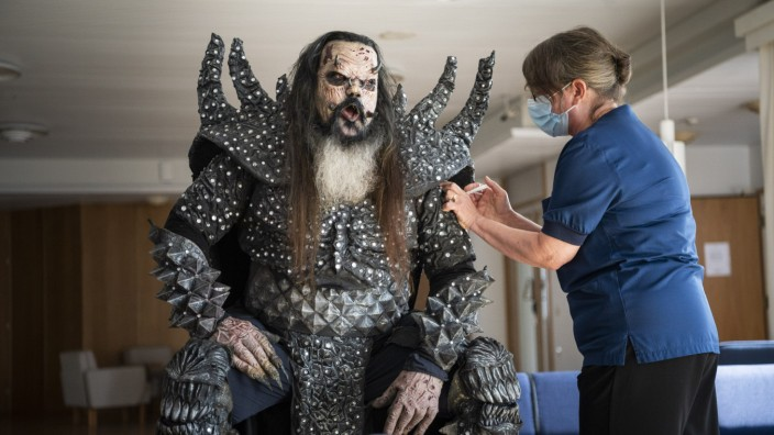 Kuriose Impfaktionen - Event mit Lordi in Finnland