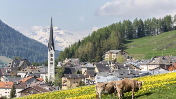 Steuerskandal: Zuoz im Engadin: Hier glaubte Berger sich jahrelang sicher. Aber die Schweizer Behörden verhafteten ihn.