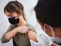 Coronavirus - Letzte Erstimpfungen in Hamburger Impfzentrum
