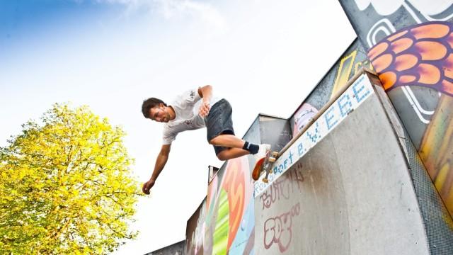 Ebersberger Skaterverein: Es gibt Rampen und Geländer, auf denen nicht immer alles klappt.