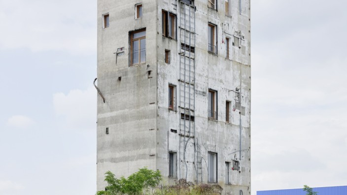 """Konferenz zur Zukunft der Städte: Mit der Ideologie des Wachstums ist es vorbei. Wer Wohnraum will, soll künftig bestehende Flächen nutzen. Wie beispielsweise die San Gimignano-Türme in Berlin, in denen die Konferenz """"Berlin questions"""" gastierte."""