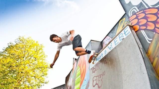 Ebersberg: Im Ebersberger Skatepark treffen sich nicht nur die Kameraden vom Rollsportclub. Jeder ist willkommen.