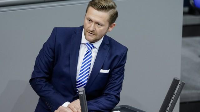 202. Bundestagssitzung in Berlin Aktuell, 17.12.2020, Berlin, Dr. Wolfgang Stefinger im Portrait bei seiner Rede zum The