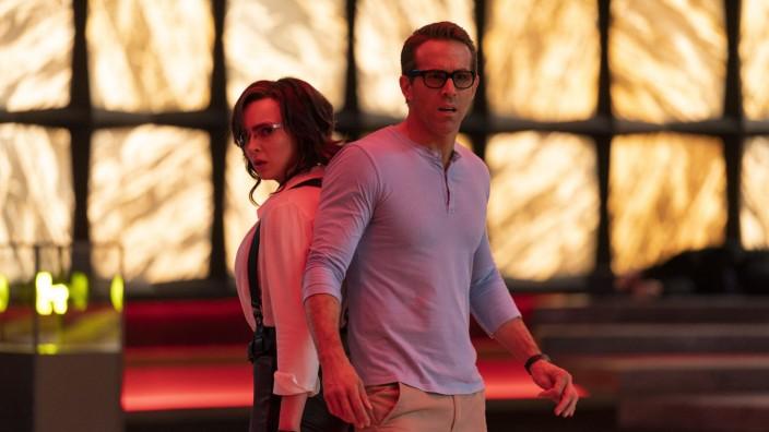 """Free Guy"" im Kino: Jodie Comer und Ryan Reynolds in ""Free Guy""."