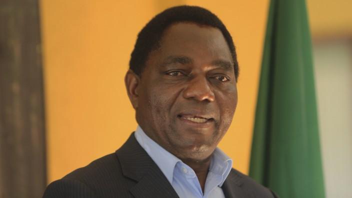 Sambia: Hichilema verspricht nach dem Abrutschen des Landes in die Rezession ein jährliches Wachstum von zehn Prozent - und verweist auf seine eigene Biografie.