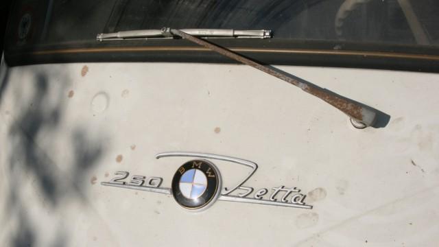 Starnberger See: Im August 1971, kurz nach dem Tod von Maurus Graf, wurde die Isetta abgemeldet.