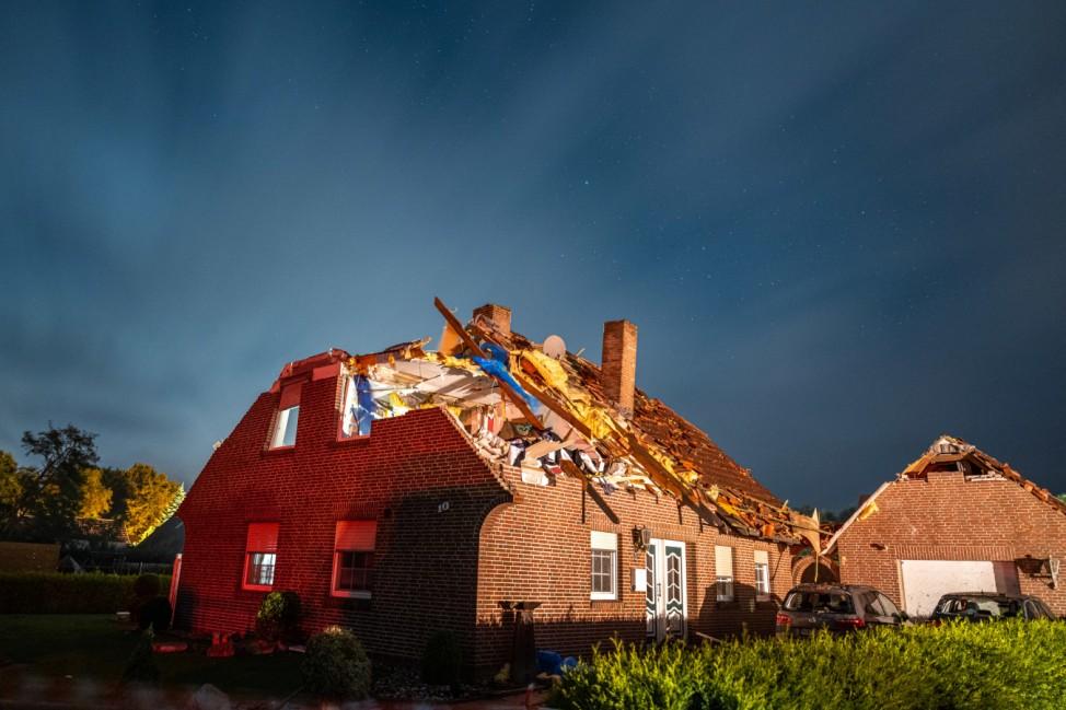 Heftiger Sturm beschädigt in Ostfriesland rund 50 Häuser