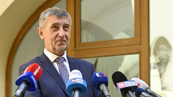 Czech Prime Minister Andrej Babis (ANO) decided to let the next cabinet choose a new director of the BIS counter-intelli