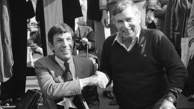 Leonard Nimoy, Gene Roddenberry