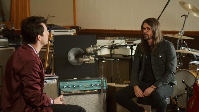 """Pop bei Netflix und Apple TV+: Der Refrain bei """"Nirvana""""-Songs? Kommt immer, wenn Kurt Cobain aufs Distortion-Pedal tritt. Sagt Drummer Dave Grohl, und der muss es wissen."""
