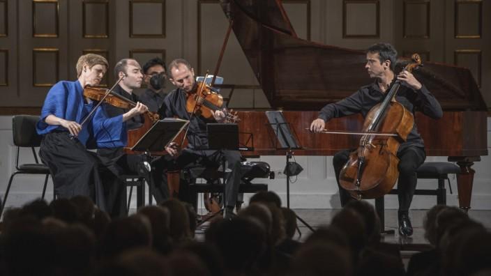 Salzburger Festspiele: Kammermusik in ihrer feiner Zusammenstellung: Isabelle Faust (Violine), Antoine Tamestit, Jean-Guihen Queryras (Violoncello) mit Alexander Melnikow, am Klavier.