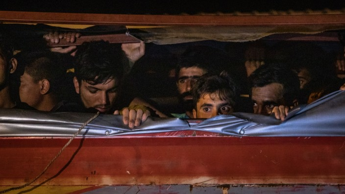 Turkey Grapples With Influx Of Afghan Migrants Amid US Pullout