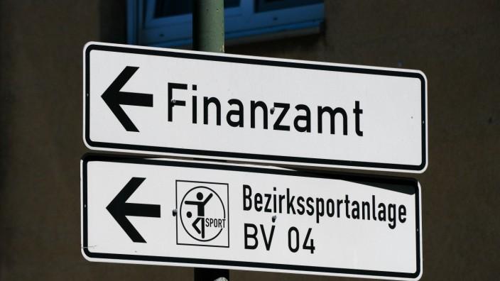 Düsseldorf 14.06.2021 Finanzamt Bezirkssportanlage Steuer Steuerzahler Vereinssteuer Verein Sportverein Düsseldorf Nord