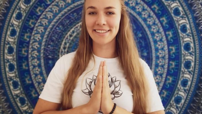 Mona_Ehegartner_Yoga