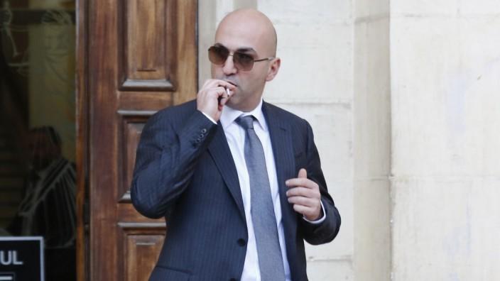 Malta: Der Angeklagte Yorgen F. beim Verlassen eines Gerichtsgebäudes in Valletta im November 2019.