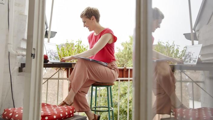 Immobilien: Eine schöne Wohnung, gerne mit Balkon: Das wird in vielen Städten immer teurer.