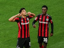 21.08.2021, Fussball, Saison 2021/2022, Bundesliga, 2. Spieltag - Bayer 04 Leverkusen - Borussia Mönchengladbach v. l.
