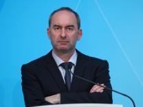 Pressekonferenz von Markus Söder zu den Lockerungen der Corona Restriktionen Pressekonferenz von Wirtschaftsminister Hu