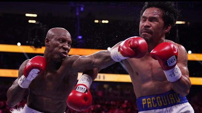 Boxen: Das Auge für den Konter: Yordenis Ugás, links, besiegt Manny Pacquiao in Las Vegas klar nach Punkten.