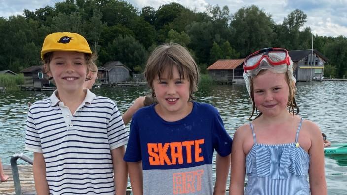 Umweltschutz: Sie haben sich über Müll im Starnberger See geärgert und sind spontan aktiv geworden: Arthur von Einem (Mitte) mit Cousin Camillo und Cousine Antonia.
